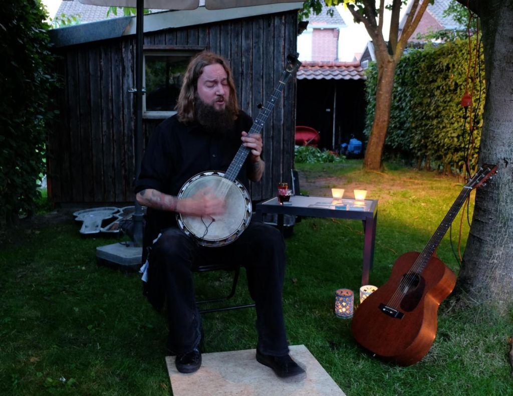 Tim Holehouse im Garten