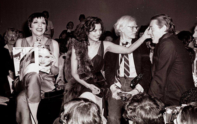 Szenefoto Studio 54_Liza Minelli, Bianca Jagger, Andy Warhol, und Halston @ Studio 54 | (c) Adam Schull
